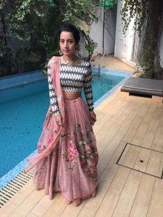 Sania Maskatiya Indian Skirt, Indian Dresses, Indian Attire, Indian Wear, Pakistani Outfits, Indian Outfits, Estilo India, Desi Clothes, Asian Clothes