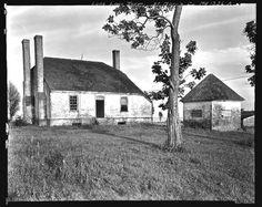 Plantation Homes, Abandoned Houses, Abandoned Places, Old Houses, Old Southern Homes, Southern Style, Lexington Park, Abandoned Plantations