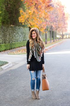Fall Outfit: Long Tunic and Skinny Jeans + Ankle Booties