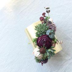 Ranunculus, succulent & astrantia living jewelry.