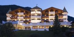 Hotel Gardena Grödnerhof Ortisei (St.Ulrich) With panoramic views across the Dolomites, Hotel Gardena Grödnerhof offers spacious rooms with flat-screen satellite TVs. There is an award-winning restaurant and an onsite spa.