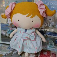 #tilda #tildinha #tildatoy #bonecadepano #tildatoys #feitocomamor  #feitocomcarinho #mãedemenina #gravidez #coisasdemenina #maternidade #fofura  #chádebebê #decoração #doll #dolls #tildaworld #costurinhas #princesas #newborn #atelie #artesanato #recemnascido #futuramamae #tonefinnanger #vestidodeboneca #meumundocorderosa #maedeprincesa #maecoruja