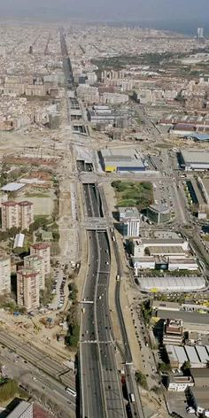 """Gran Via de les Corts Catalanes """"cuts"""" Barcelona from river Llobregat to river Besòs in a straight line and it is 14-15 kilometres long, with 12 lanes in some sections"""