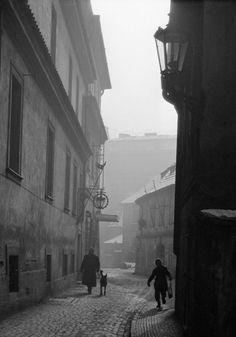Prague Czech, Old Paintings, More Pictures, Homeland, Historical Photos, Vintage Images, Czech Republic, Google Images, Point Perspective