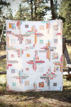 Summerlove Quilt - pretty converging corners log cabin var.
