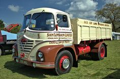 Please feel free to share and of course please do add your friends to our Bonkers Group :) Classic Cars British, Classic Trucks, Antique Trucks, Vintage Trucks, Truck Signs, Old Lorries, Train Truck, Classic Motors, Camping Car