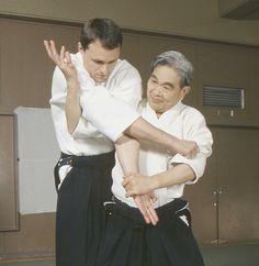 Aikido techniques / Shoji Nishio