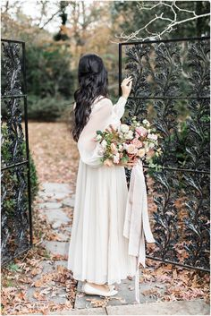 Meadowlark 1939 Wedding Inspiration at a Southern Garden Wedding Venue near Atlanta Georgia Georgia Wedding Venues, Atlanta Wedding, Wedding Colors, Wedding Styles, Wedding Bride, Wedding Gowns, Anniversary Photography, Garden Venue, Romantic Wedding Inspiration