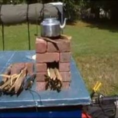 Rocket Stove made out of bricks powerless cooking Outdoor Cooking Stove, Outdoor Stove, Survival Prepping, Emergency Preparedness, Build A Rocket, Emergency Supplies, Emergency Planning, Cooking Movies, Stove Oven