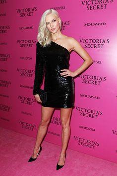 2017 Victoria Secret Fashion Show After Party Victoria Models, Victorias Secret Models, Victoria Secret Fashion Show, Karlie Kloss Style, Vs Fashion Shows, Fashion Models, Women's Fashion, Victoria Dress, Victoria Secrets