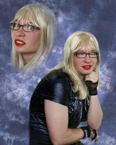 20 Of The Most Hilarious Glamour Shots You've Ever Seen.soooo glad I dont know any of these people Funny Family Photos, Funny Photos, Photoshop Fails, Awkward Family Photos, Bad Photos, Glamour Shots, Family Humor, School Pictures, Fail Pictures