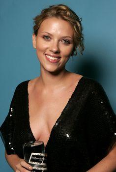 Scarlett Johansson HD Wallpaper From Gallsource.com