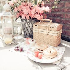 Time for a pretty picnic! Via We Heart It