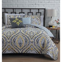Vera Hippie King Quilt Set Floral Bohemian Themed Bedding Grey Yellow Prints Indie Hippy Spirit Damask Flowers Pattern Vibrant Colors Flower Paisley