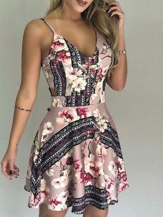 Mini vestido estampado floral de la cintura del recorte (S/M/L/XL) $30.99