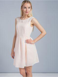 Pretty Girls, High Neck Dress, Dresses, Fashion, Moda, Vestidos, Fashion Styles, Dress, Dressers