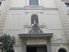 Iglesia de San Antón, Calle Hortaleza. Chueca. Madrid by voces, via Flickr