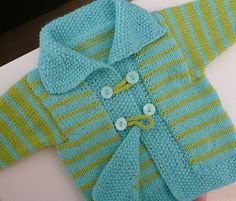 Love this knit baby sweater! Too bad the pattern isn't free