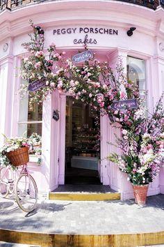 Peggy Porschen Parlour: Belgravia London England: Is this the cutest café and cake shop in London? #travelhelp