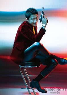 Lupin the Third - Shun Oguri Shun Oguri, Male Pose Reference, Lupin The Third, Cool Poses, Live Action Movie, Japanese Drama, Character Poses, Male Poses, Action Poses