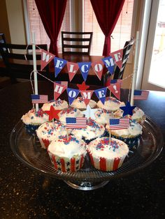 Exceptional A Fun DIY Banner Craft And Patriotic Themed Cupcakes For A Soldiers Return.  Banner Found