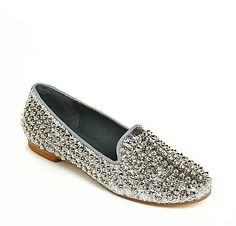 Can't decide what color I like these flats in, I can't get enough of them.