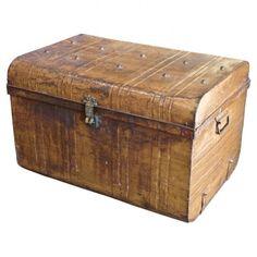 I love old trunks.