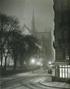 Rue du Cloître-Notre-Dame, en 1953  Albert Monnier