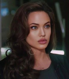 Discover recipes, home ideas, style inspiration and other ideas to try. Angelina Jolie Fotos, Angelina Jolie Makeup, Angelina Jolie Pictures, Angelina Jolie Style, Angelina Jolie Hairstyles, Beautiful Celebrities, Most Beautiful Women, Brad Pitt, Pretty People