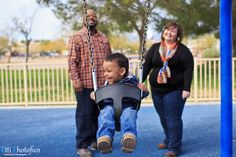 Family Portrait  shot at Desert Breeze Park in Las Vegas photographed by Etti Photography