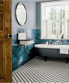 Wainscoting Bathroom, Bathroom Flooring, Bad Inspiration, Bathroom Inspiration, Modern Bathroom, Small Bathroom, Master Bathroom, Blue Tiles, Bathroom Colors