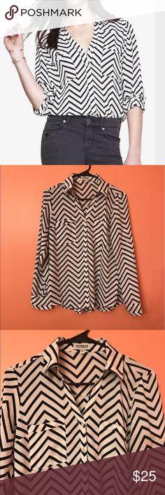 🦋SJC004🦋Express Shirt Convertible Sleeve Portofino Shirt. Like new conditions Express Tops Button Down Shirts