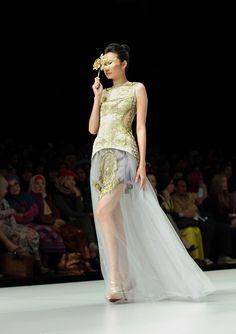 IFW 2013 # 219 Ayu Dyah Andari – Aura of Elegancy Indonesia Fashion Week, Formal Dresses, Beautiful, Dresses For Formal, Formal Gowns, Formal Dress, Gowns, Formal Wear