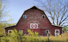 This Old Barn, would be cute to take pictures at