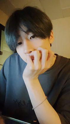 Nct Yuta, Fandom, Types Of Guys, K Idols, Cute Boys, Actors & Actresses, Snoopy, Korean Idols, Strawberries