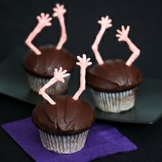 It's not about the cupcakes, it's about how to make these zombie hands. No special tool or experience required. So EASY.