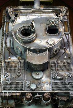 完成写真公開。 やはりタイガー1のこのカタチにはジーマングレーがよく合う。この色の固体があまり無いのが残念です。事実を知らずにタミヤのタイガー1初期型の... Winter Camo, Tiger Tank, Model Tanks, Ww2 Tanks, Panzer, Plastic Models, Scale Models, Wwii, Armour