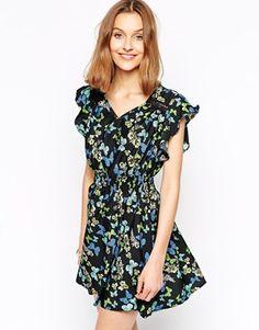 Iska+Fluted+Sleeve+Dress+in+Butterfly+Print