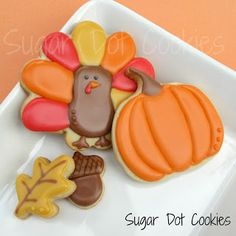 Sugar Dot Cookies: Thanksgiving Sugar Cookies with Royal Icing Glaze