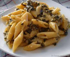Pasta: mezze penne rigate con feta, spinaci e pino...
