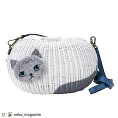使いやすいビーンズタイプもあります❤️ まるでネコを連れているかのような、かわいいフォルムのカゴバッグです。顔はふわふわでよしよししてあげたくなってしまいます☺️️💓 SUSYでお取り扱いいただいています🐈🐈🐈 shop.susy.jp We also have bean's type. This is look like a real cat! 🙀The face's fur is fluffy and people may want to touch it. ☺️️💓 #GPRepost,#reposter,#notetag @neko_magazine via @GPRepostApp ====== @neko_magazine:なんとっ🙈 お豆型もあるんだな〜💓こちらもショルダータイプでお出かけサイズにぴったり❣️はぁ…この表情❣️❣️かわいいっ😭 詳しくは、shop.susy.jp/をチェックしてくださいね📩❤️ #neko_magazine #ねこ #猫 #ネコ #ねこ写真 #catstagram #ilovecat #ilovecats…
