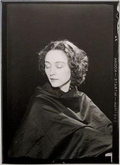 Man Ray: Nusch Eluard, 1931.