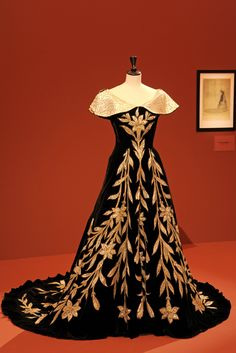 """Worth evening gown known as """"La Robe aux Lis"""", circa 1896 at Palais Galliera's Countess Greyffulhe Exhibit [Photo: Dominique Maître]"""