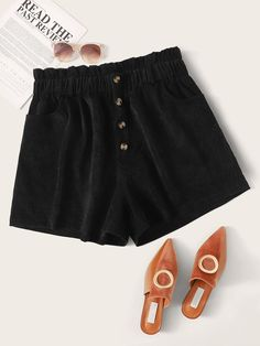 Plus Button Front Lettuce Frill Straight Shorts