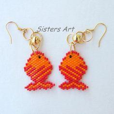"""Orecchini """"Pesce rosso"""" realizzati con perline Miyuki delica, by Sisters Art, in vendita su http://www.misshobby.com/it/negozi/sisters-art"""