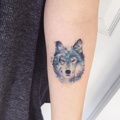Lob (diseño de internet con pequeños cambios) #tattoo #tatuajes #wolf #lobo #color #animal #watercolor