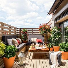31 Fantastic Outdoor Design Ideas For Spring And Summer To Try - Porch Decorating Decor, Outdoor Decor, Outdoor Dining Room, Balcony Decor, Outdoor Space, Outside Living, Terrace Design, Outdoor Dining, Outdoor Design