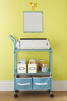 Great idea for simple organizing a Cricut and accessories.Used an IKEA utility cart with drawer and hanging pails. Placed milk crate on bottom for paper scraps. Now i just need a cricut Scrapbook Storage, Scrapbook Organization, Craft Organization, Craft Room Storage, Craft Rooms, Space Crafts, Craft Space, Scrapbooking, Baby Shower