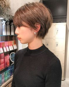 ✂︎一星/ショート/美容師/梅田/茶屋町✂︎さんはInstagramを利用しています:「@gienisseiㅤㅤㅤㅤㅤㅤㅤㅤㅤㅤㅤㅤㅤ ㅤㅤㅤㅤㅤㅤㅤㅤㅤㅤㅤㅤㅤ ㅤㅤㅤㅤㅤㅤㅤㅤㅤㅤㅤㅤㅤ ご予約はDM/Tel0663763450にてㅤㅤㅤㅤㅤㅤㅤㅤㅤㅤㅤㅤㅤ ㅤㅤㅤㅤㅤㅤㅤㅤㅤㅤㅤㅤㅤ…」 Layered Bob With Bangs, Layered Bob Short, Short Hairstyles For Women, Bob Hairstyles, Short Hair Cuts, Short Hair Styles, Your Hair, Hair Color, Hair Beauty