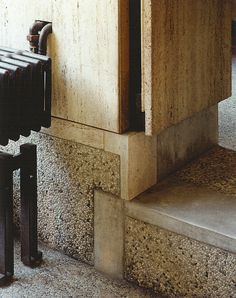 Google Image Result for http://www.themilanese.com/wp-content/uploads/2011/10/Dettaglio-Scarpa-2.jpg